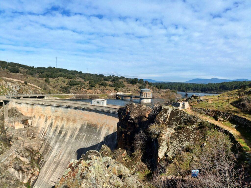 Ruta: Mangirón - Cañón del Lozoya - Embalse del Villar - Presa y aliviadero