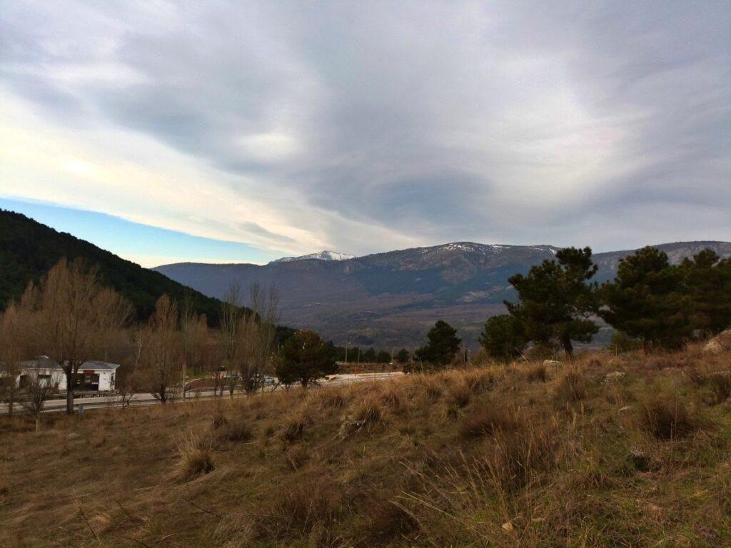 Mina de plata de Bustarviejo y cima del Mondalindo - Desde el aparcamiento