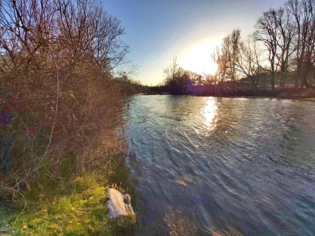 Circular embalse de pinilla - Rio Lozoya (por debajo de la presa)