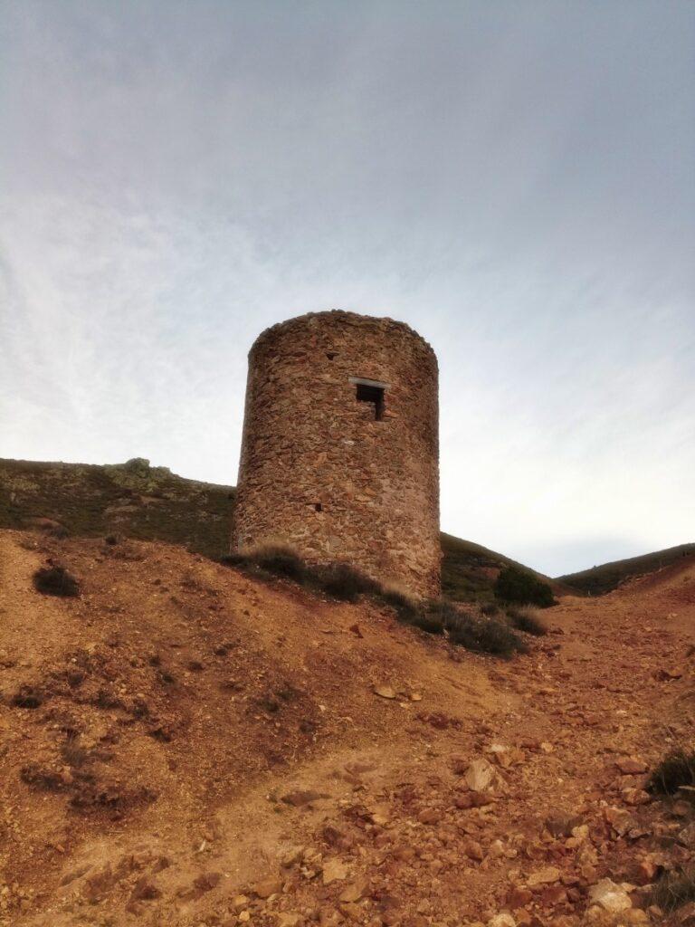 Mina de plata de Bustarviejo y cima del Mondalindo - Torre de la mina