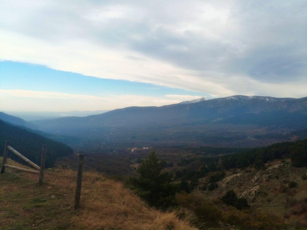 Mina de plata de Bustarviejo y cima del Mondalindo - Desde la torre de la mina