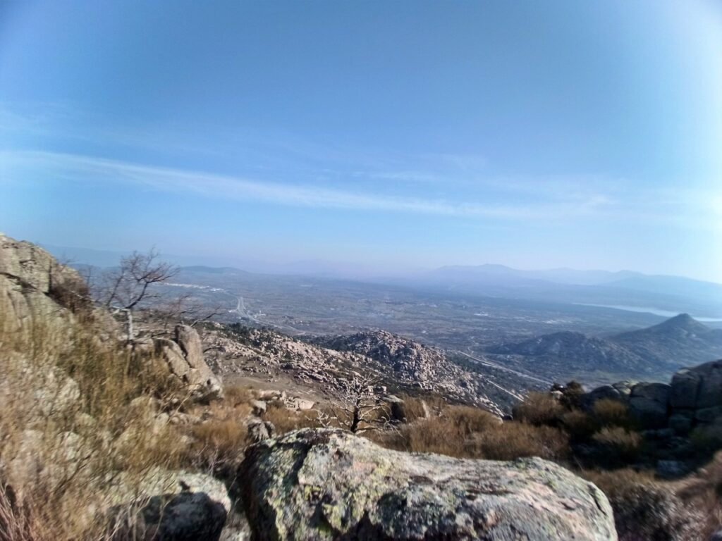 Circular Pico de la Miel desde La Cabrera